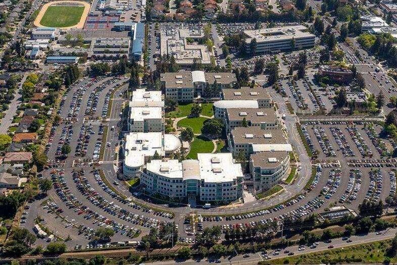害硅谷者,美国政府也
