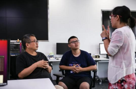 宁波诺丁汉大学老师与本科生团队研究人工智能促进药物开发